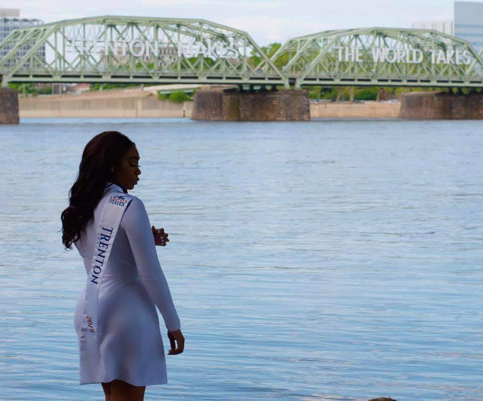 New Jersey beauty queen next to the Trenton makes world takes bridge.
