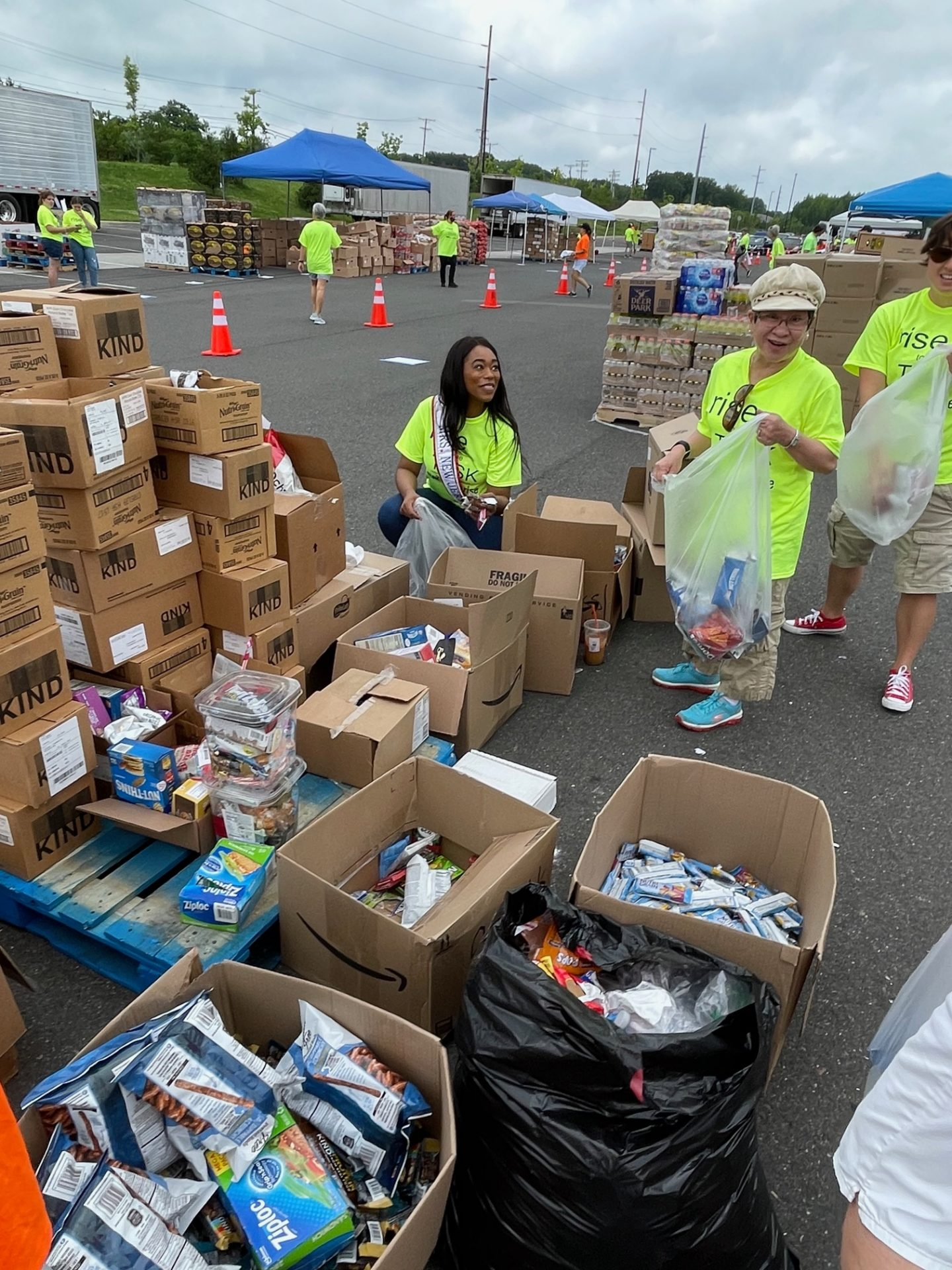 Mrs. New Jersey America 2020 volunteering with TASK and RISE